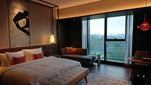 ホテルの部屋の写真。