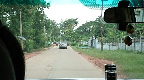 パオ森林僧院へ向かいます。