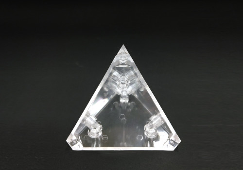 ゴッドピラミッドの1つの正四面体
